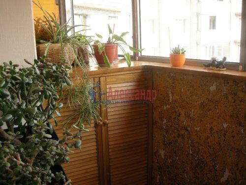 2-комнатная квартира (77м2) на продажу по адресу Луначарского пр., 15— фото 1 из 10