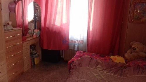 Комната в 3-комнатной квартире (71м2) на продажу по адресу Синявинская ул., 3— фото 3 из 17