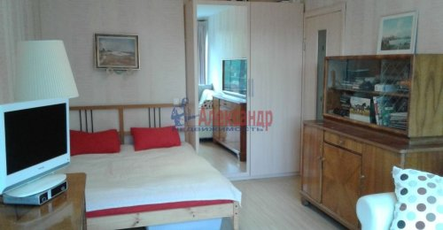 1-комнатная квартира (31м2) на продажу по адресу Учительская ул., 12— фото 2 из 12