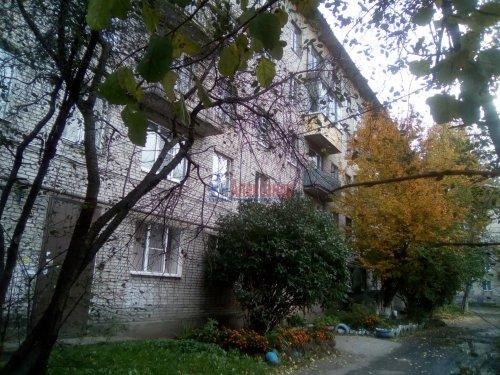 3-комнатная квартира (56м2) на продажу по адресу Волхов г., Юрия Гагарина ул., 2— фото 1 из 3