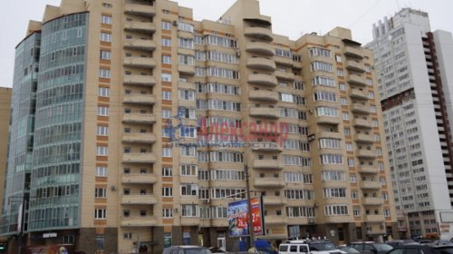 3-комнатная квартира (82м2) на продажу по адресу Варшавская ул., 23— фото 1 из 12