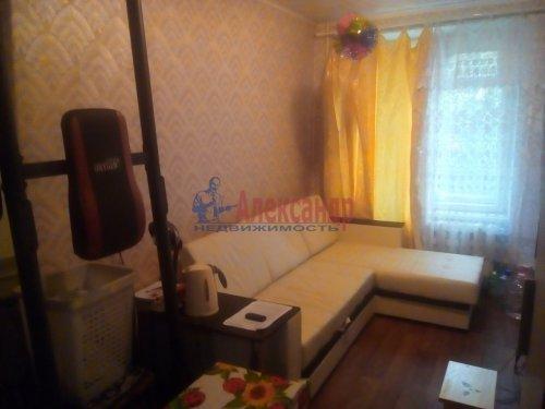 Комната в 3-комнатной квартире (57м2) на продажу по адресу Гатчина г., Достоевского ул., 11— фото 2 из 3