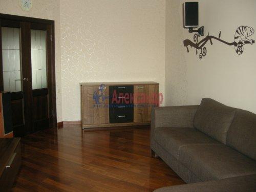2-комнатная квартира (77м2) на продажу по адресу Луначарского пр., 15— фото 5 из 10
