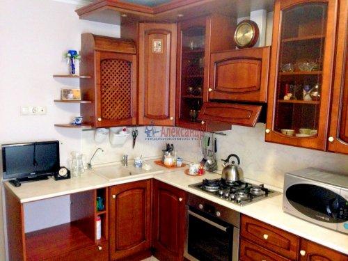 2-комнатная квартира (59м2) на продажу по адресу Шушары пос., Первомайская ул., 17— фото 2 из 11