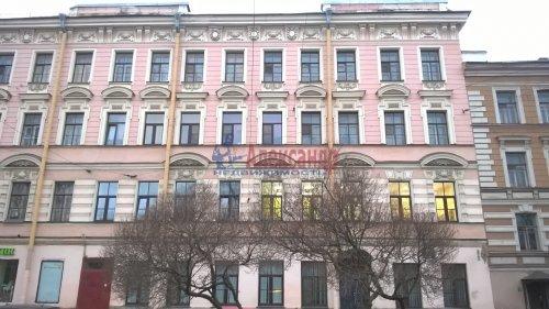 Комната в 6-комнатной квартире (129м2) на продажу по адресу Большой пр., 2— фото 1 из 7