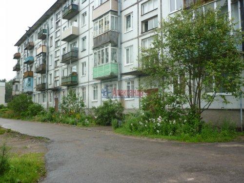 3-комнатная квартира (56м2) на продажу по адресу Саперное пос., Школьная ул., 12— фото 1 из 2