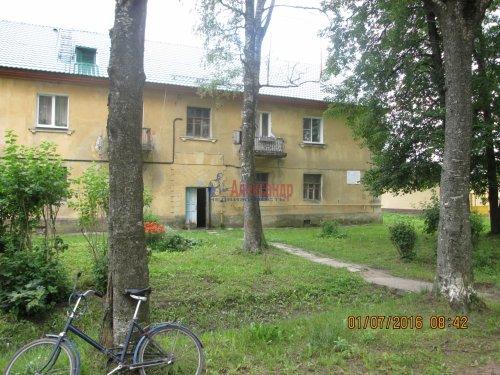 2 комнаты в 3-комнатной квартире (54м2) на продажу по адресу Назия пос., Комсомольский просп., 11— фото 8 из 13
