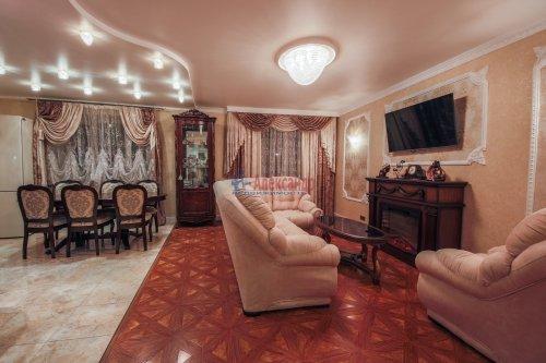 3-комнатная квартира (106м2) на продажу по адресу Комендантский пр., 11— фото 1 из 16