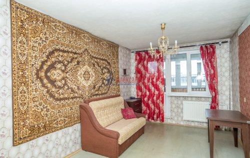 3-комнатная квартира (65м2) на продажу по адресу Купчинская ул., 33— фото 2 из 18