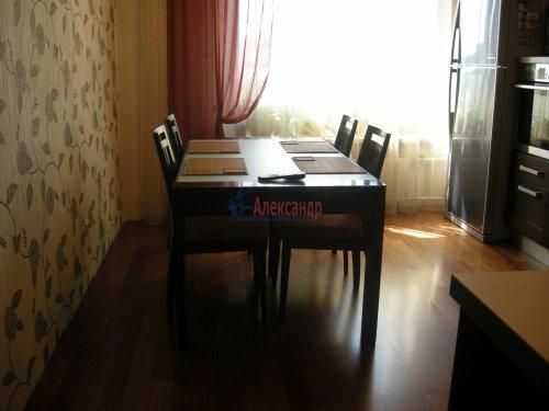 2-комнатная квартира (77м2) на продажу по адресу Луначарского пр., 15— фото 6 из 10