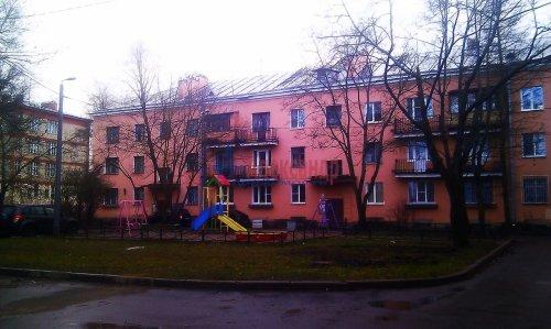 Комната в 3-комнатной квартире (78м2) на продажу по адресу Стрельна г., Кропоткинская ул., 2— фото 1 из 5