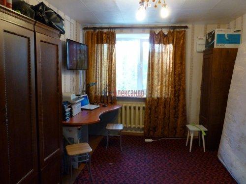 Комната в 4-комнатной квартире (376м2) на продажу по адресу Петергоф г., Володи Дубинина ул., 12а— фото 1 из 9