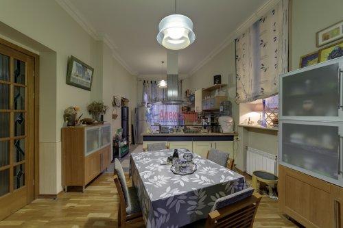 2-комнатная квартира (155м2) на продажу по адресу Садовая ул., 24— фото 11 из 22