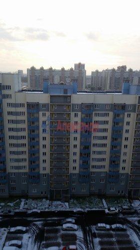 1-комнатная квартира (35м2) на продажу по адресу Маршала Казакова ул., 68— фото 3 из 14
