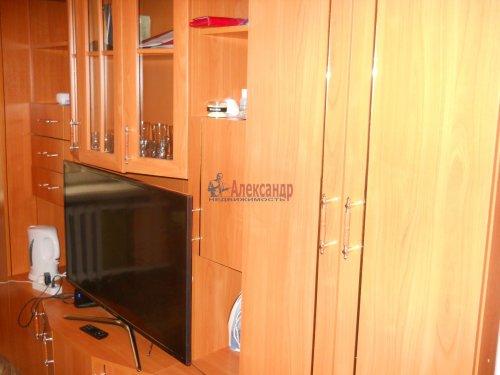 Комната в 9-комнатной квартире (240м2) на продажу по адресу Мытнинская ул., 9— фото 1 из 20