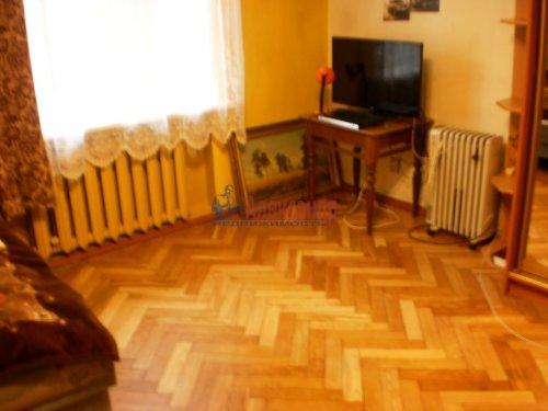 Комната в 3-комнатной квартире (80м2) на продажу по адресу 17 линия В.О., 8— фото 3 из 7