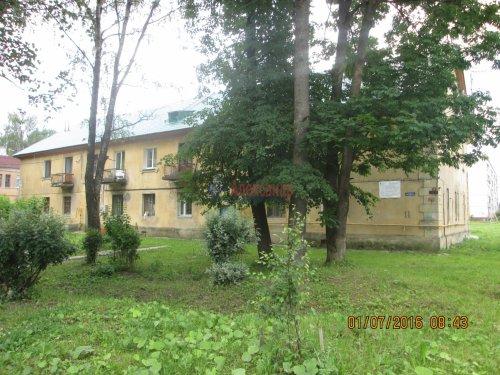 2 комнаты в 3-комнатной квартире (54м2) на продажу по адресу Назия пос., Комсомольский просп., 11— фото 1 из 13