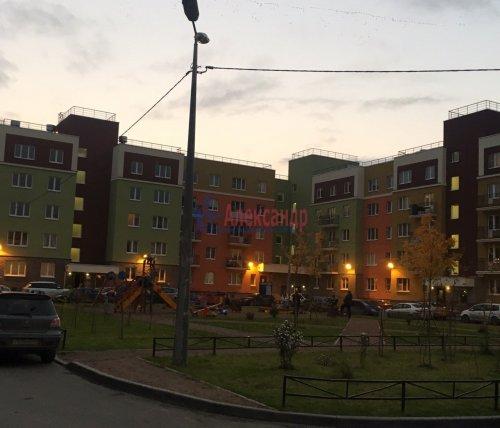 2-комнатная квартира (60м2) на продажу по адресу Юнтоловский пр., 53— фото 18 из 19