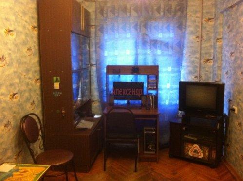 2-комнатная квартира (45м2) на продажу по адресу Маршала Блюхера пр., 63— фото 2 из 10