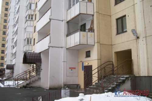 1-комнатная квартира (35м2) на продажу по адресу Ленинский пр., 76— фото 14 из 17