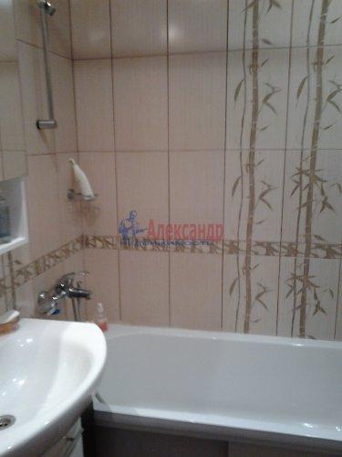 3-комнатная квартира (80м2) на продажу по адресу Комендантский пр., 40— фото 6 из 8
