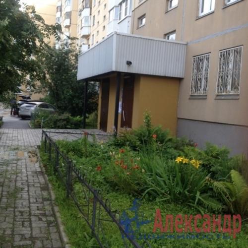 1-комнатная квартира (40м2) на продажу по адресу Большевиков пр., 30— фото 16 из 18