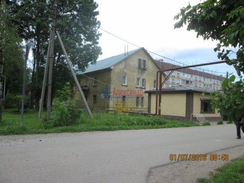 2 комнаты в 3-комнатной квартире (54м2) на продажу по адресу Назия пос., Комсомольский просп., 11— фото 10 из 13