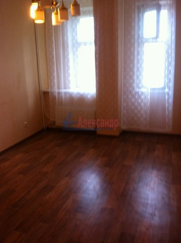 3-комнатная квартира (78м2) на продажу по адресу Коммунар г., Ленинградское шос., 27— фото 4 из 4