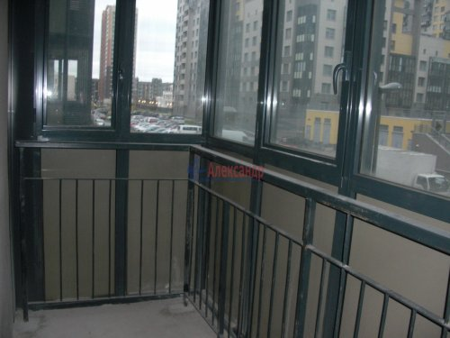 1-комнатная квартира (41м2) на продажу по адресу Адмирала Трибуца ул., 10— фото 8 из 11