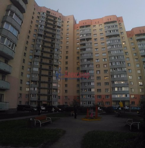 2-комнатная квартира (50м2) на продажу по адресу Мурино пос., Оборонная ул., 2— фото 1 из 15
