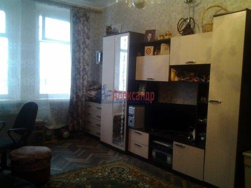 Комната в 3-комнатной квартире (74м2) на продажу по адресу Гранитная ул., 8— фото 2 из 6
