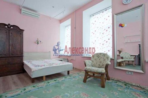 3-комнатная квартира (80м2) на продажу по адресу Суворовский пр., 5— фото 6 из 9
