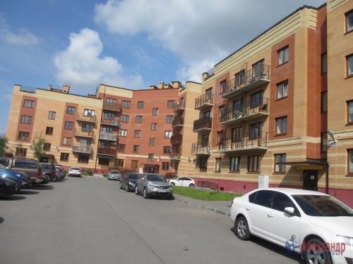 2-комнатная квартира (63м2) на продажу по адресу Павловск г., Слуцкая ул., 7— фото 13 из 16