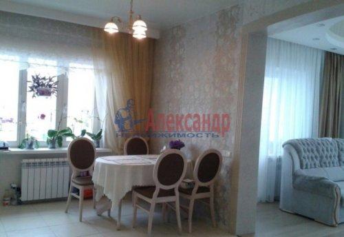 3-комнатная квартира (108м2) на продажу по адресу Луначарского пр., 11— фото 3 из 14