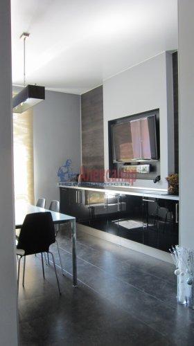 2-комнатная квартира (70м2) на продажу по адресу Петергофское шос., 5— фото 4 из 19