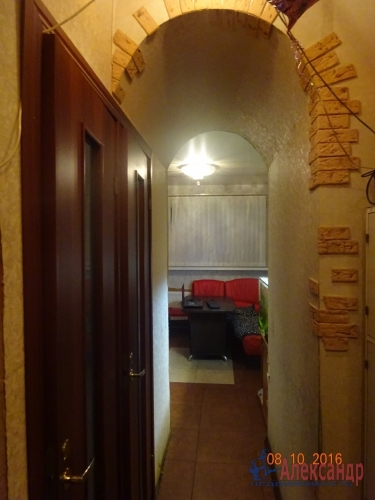 2-комнатная квартира (48м2) на продажу по адресу Летчика Пилютова ул., 23— фото 2 из 11