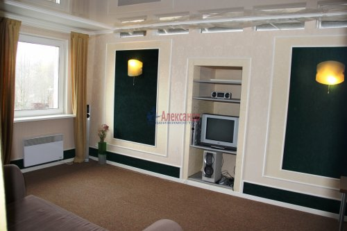 2-комнатная квартира (71м2) на продажу по адресу Кальтино дер., Песочная ул., 28— фото 2 из 8