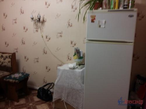 Комната в 16-комнатной квартире (380м2) на продажу по адресу Красное Село г., Гвардейская ул., 25— фото 3 из 9