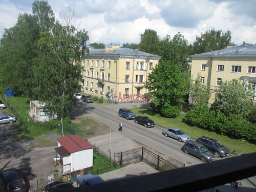 2-комнатная квартира (63м2) на продажу по адресу Павловск г., Слуцкая ул., 7— фото 3 из 15