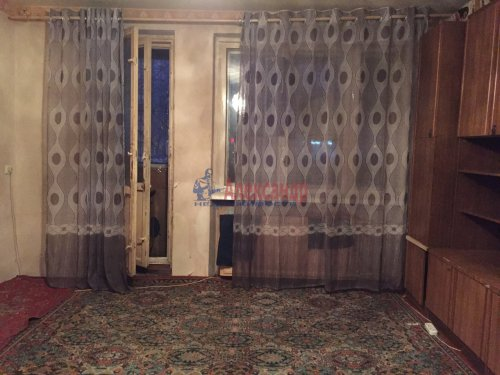 3-комнатная квартира (58м2) на продажу по адресу Ударников пр., 15— фото 1 из 4