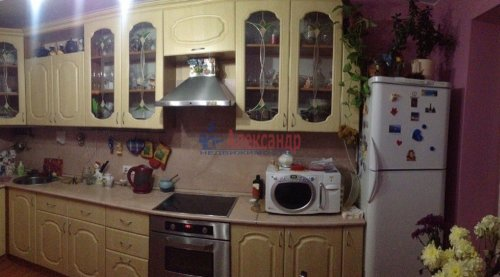 2-комнатная квартира (60м2) на продажу по адресу Беринга ул., 23— фото 7 из 15