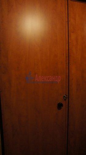 Комната в 9-комнатной квартире (250м2) на продажу по адресу Конторская ул., 14— фото 6 из 14
