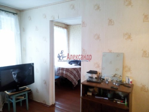 2-комнатная квартира (42м2) на продажу по адресу Мельниково пос., Калинина ул., 6— фото 3 из 9