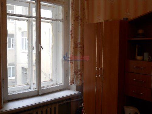 Комната в 9-комнатной квартире (240м2) на продажу по адресу Мытнинская ул., 9— фото 2 из 20