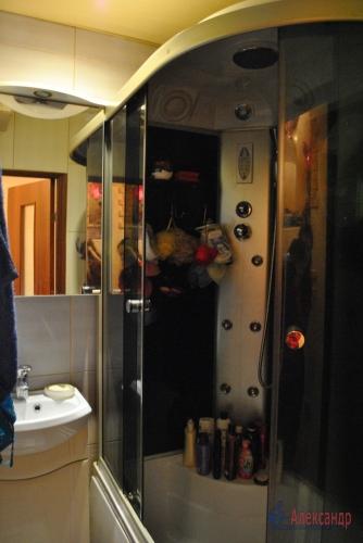 2-комнатная квартира (48м2) на продажу по адресу Летчика Пилютова ул., 23— фото 5 из 11
