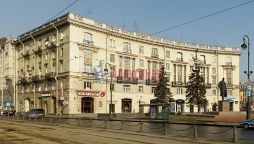 2-комнатная квартира (62м2) на продажу по адресу Каменноостровский пр., 2— фото 1 из 7