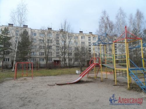 3-комнатная квартира (73м2) на продажу по адресу Коммунар г., Куралева ул., 15— фото 1 из 8