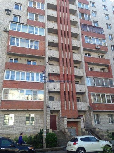 2-комнатная квартира (77м2) на продажу по адресу Кондратьевский пр., 62/3— фото 2 из 15