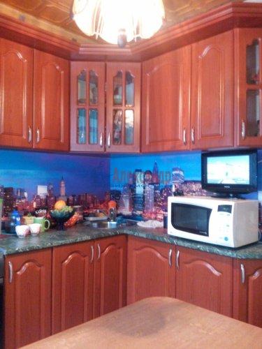 2-комнатная квартира (42м2) на продажу по адресу Шелгунова ул., 15— фото 6 из 14