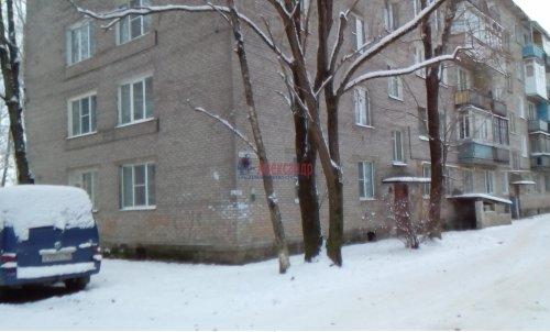 1-комнатная квартира (31м2) на продажу по адресу Волхов г., Новгородская ул., 10— фото 1 из 9